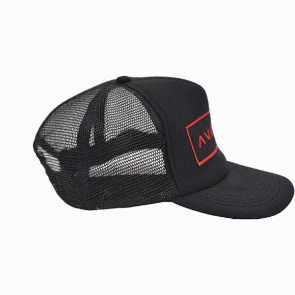 Trucker cap zwarte badge